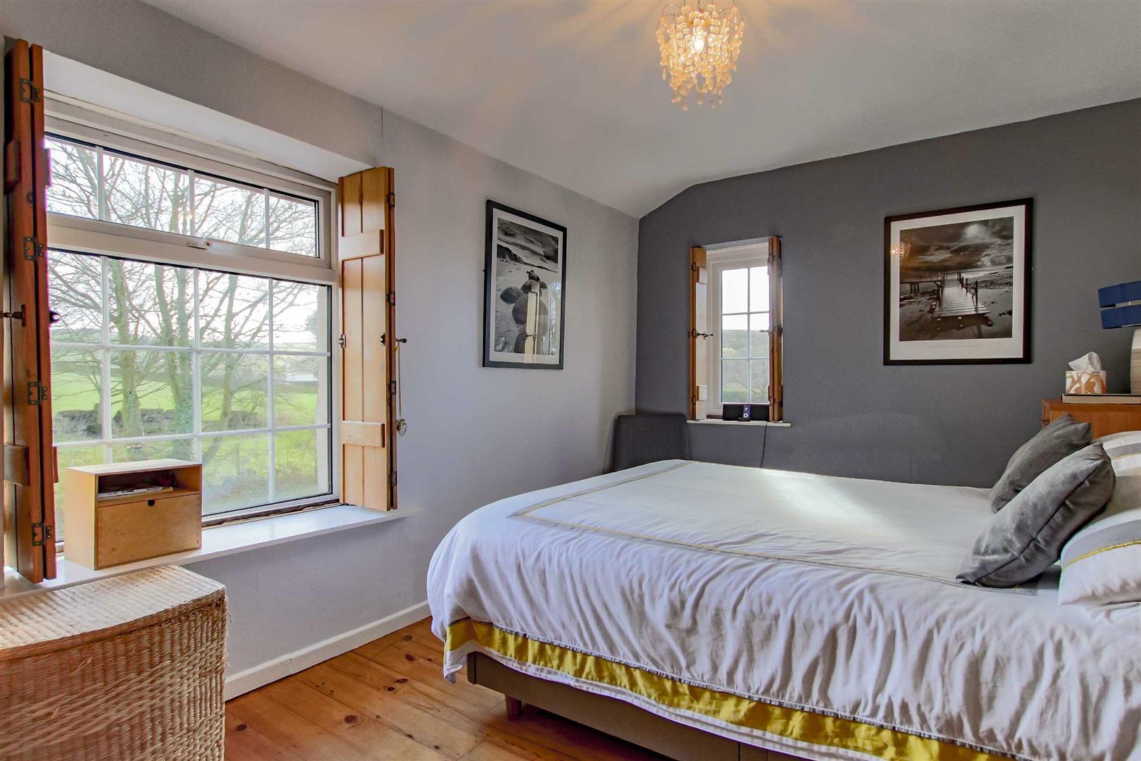 4 Bedroom Detached House For Sale - p033686_22.jpg